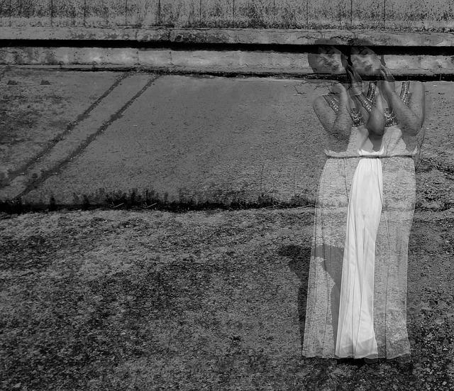 mujer fantasma photo