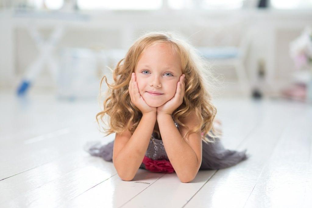 La niña sonriente 1